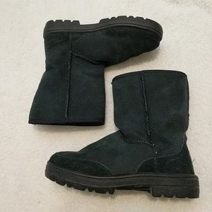 Ugg 5225 Ultra Short Boots Black Sheepskin Size 7